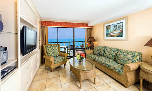 Spacious Oceanfront Family Suite